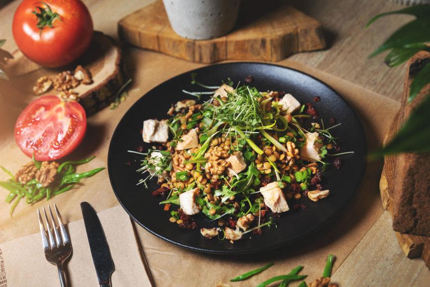 Lęšių salotos su vištiena