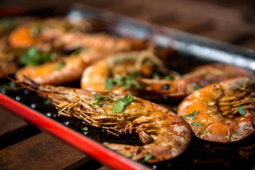 Ant grilio keptos krevetės
