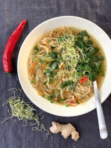 Greitai paruošiama kiniška antigripino sriuba