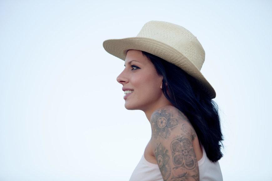 Vida Press nuotr./Tatuiruota moteris