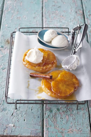Vida Press nuotr./Pyragėliai su ananasais