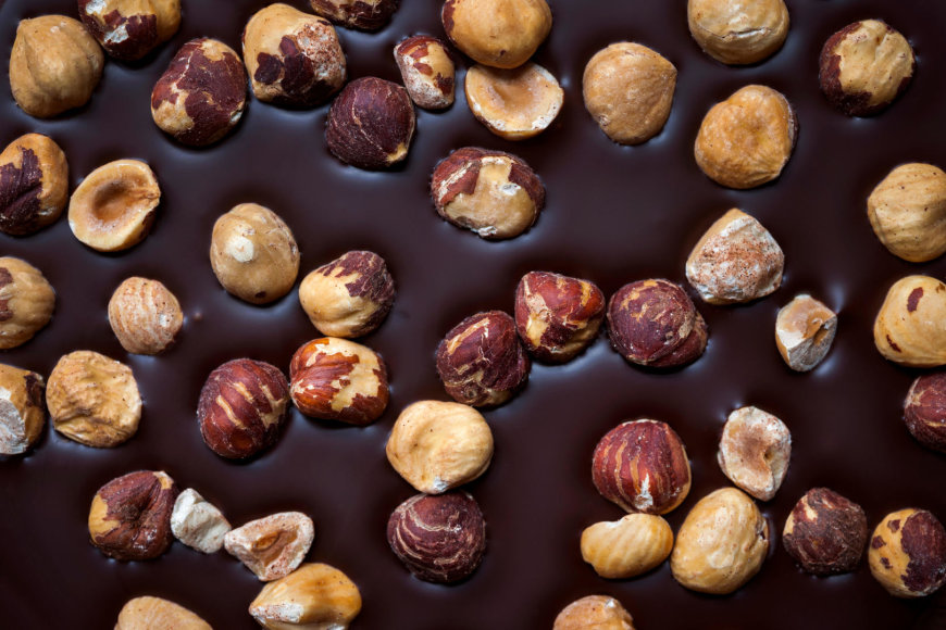 Vida Press nuotr./Šokoladas su riešutais