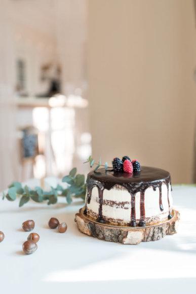 """Šokoladinis firminis """"Bruzgų"""" tortas su kava"""