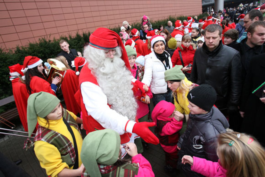 Į Kauną pirmą kartą Lietuvos istorijoje atvažiavo pagrindinis pasaulio Kalėdų Senelis.