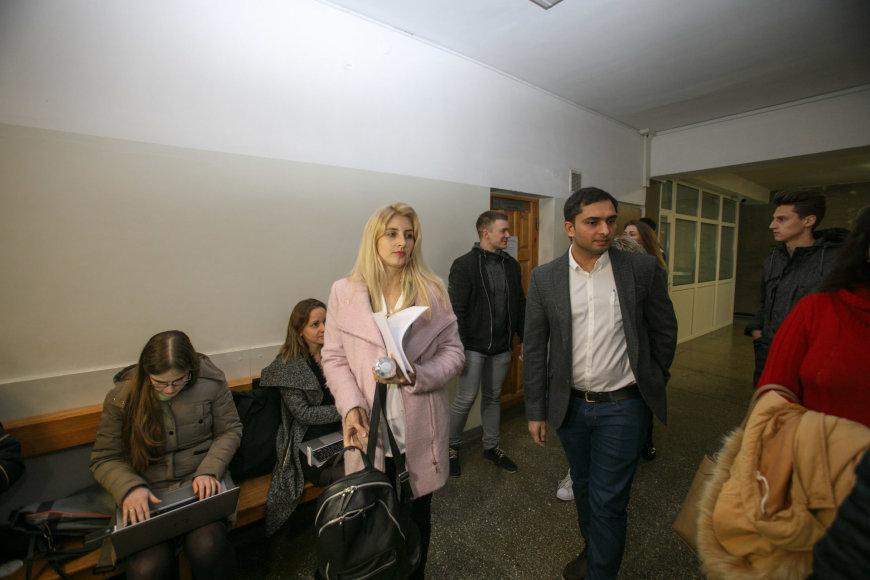 Eriko Ovčarenko / 15min nuotr./Vyriausioji Nadeždos dukra Rasa su vyru teisme