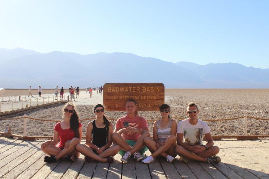 """""""T&G"""" nuotr./Druskos lyguma (angl. Badwater basin) – žemiausia vieta Šiaurės Amerikoje"""