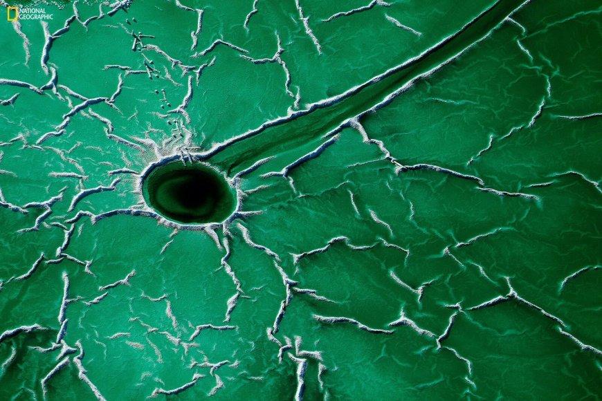"""Francisco Mingorance nuotr./""""Vietos"""" kategorijos laimėtojas Francisco Mingorance. Nuotrauka """"Asteroid"""", fotografuota Andalūzijoje, Ispanijoje."""