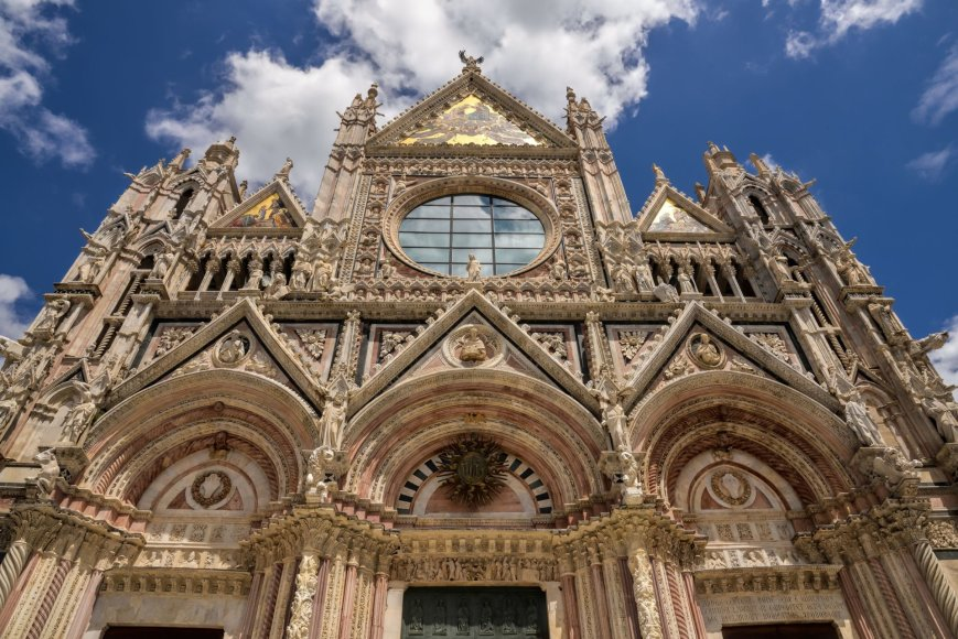 123rrf.com nuotr./Sienos katedra