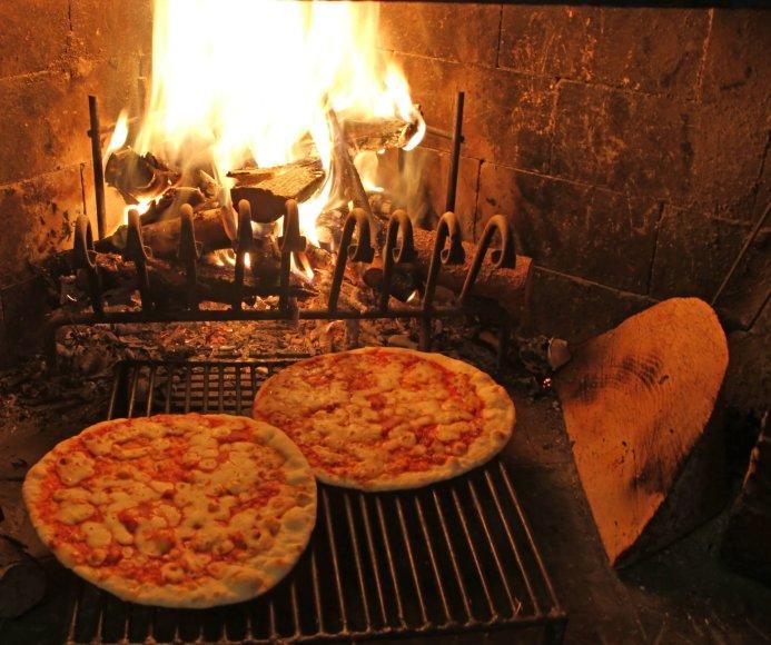 123rf.com nuotr./Krosnyje kepamos picos