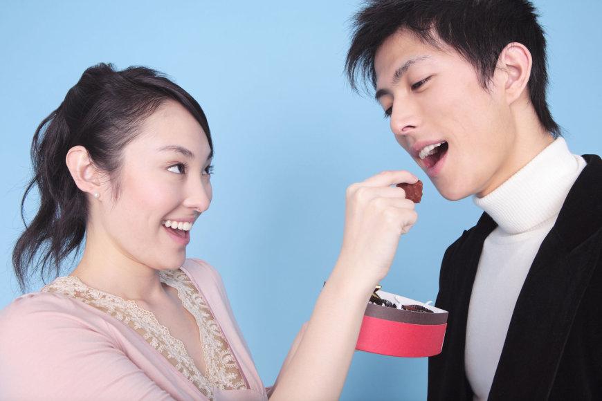 123rf.com nuotr./Japonės per šv. Valentino dieną saldumynus perka vaikinams