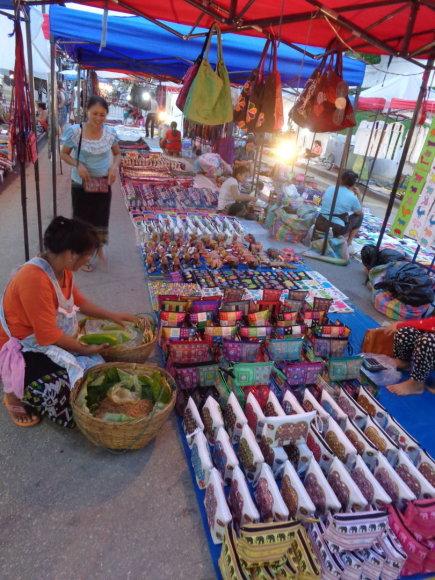 Gabijos Lebednykaitės nuotr./Luang Prabango turguje – gausybė matytų ir ne gėrybių