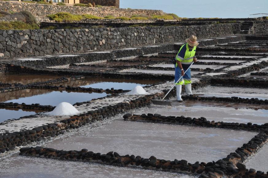 Udriaus Armalio nuotr./Štai taip druska išgaunama iš jūros