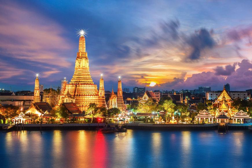 """Fotolia nuotr./Wat Arun, dar žinoma kaip """"Aušros šventykla"""""""