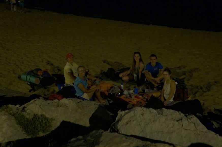"""""""Facebook"""" nuotr./Lietuviška-ukrainietiška vakarienė paplūdimyje Kanuose"""