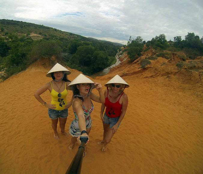 Asmeninė nuotr./Liucija, Inga ir Kristina Vietname
