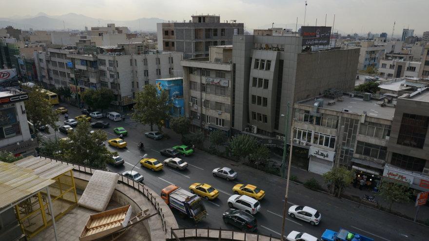 Vytauto Juršėno nuotr./Rytinis Teherano eismas