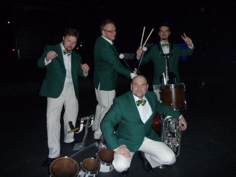 """Pučiamųjų orkestro """"Trimitas"""" nuotr./Užkulisiuose po pasirodymo"""