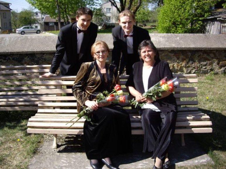 S.Martinaitytė, A.Apšega, L.Mikalauskas ir A.Eitmanavičiūtė.