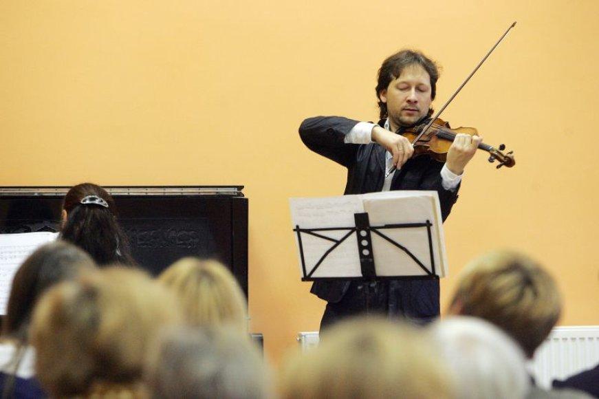 V.Čepinskis koncertavo Kauno Raudonojo Kryžiaus klinikinėje ligoninėje