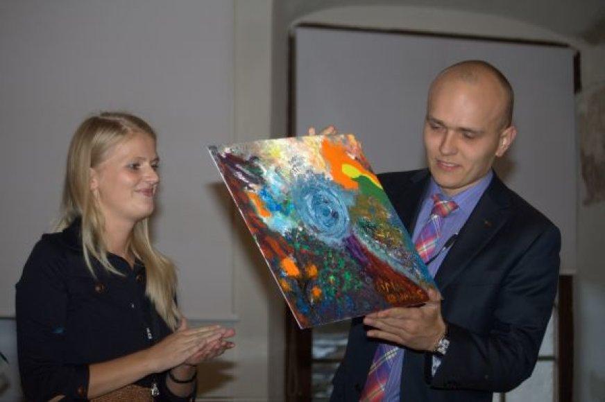 """LiMA Kauno skyriui vadovaus UAB """"Rimonne Baltic"""" marketingo vadovė Laura Gajauskaitė (kairėje)."""