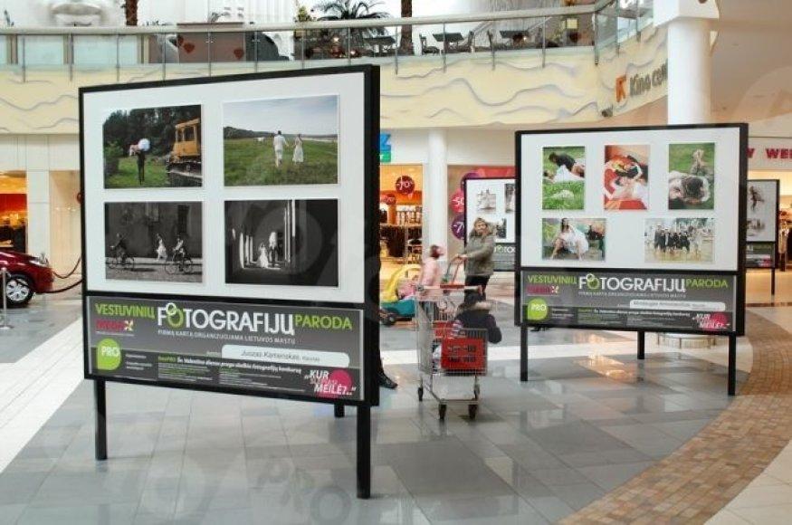 Parodoje Kauno prekybos ir laisvalaikio centre bus galima apžiūrėti keturiolikos autorių nuotraukas, kuriose įamžintos vestuvės.
