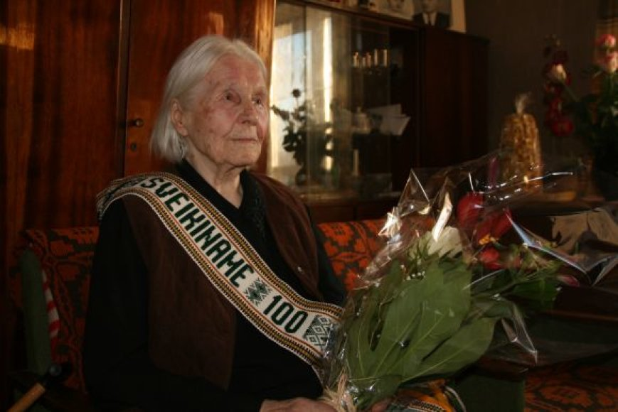 100-metė Adelė Adomėnienė