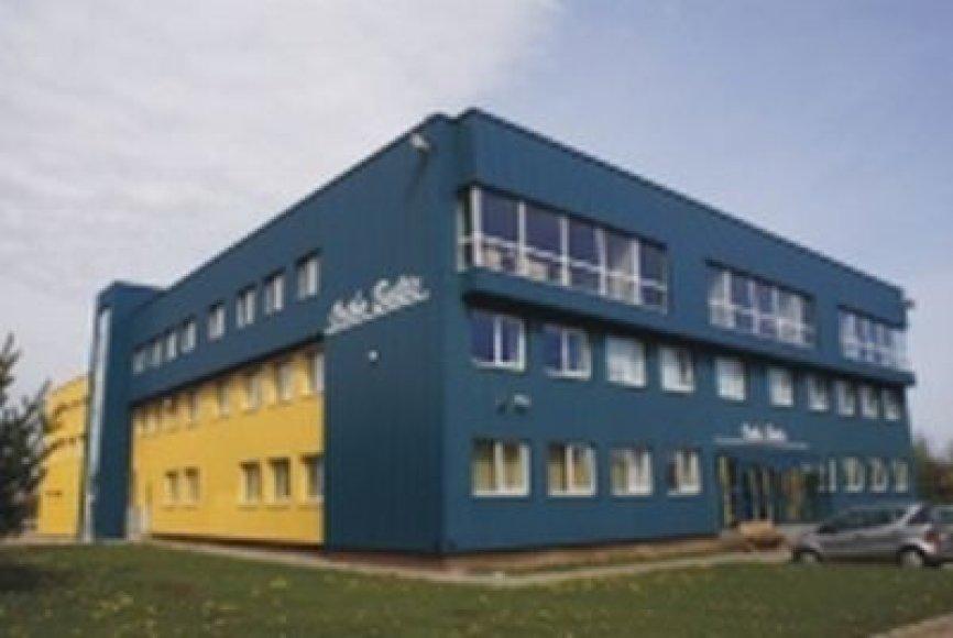 """Bendrovės """"Baltic orthoservice"""" pastatas Taikos prospekte, Kaune."""