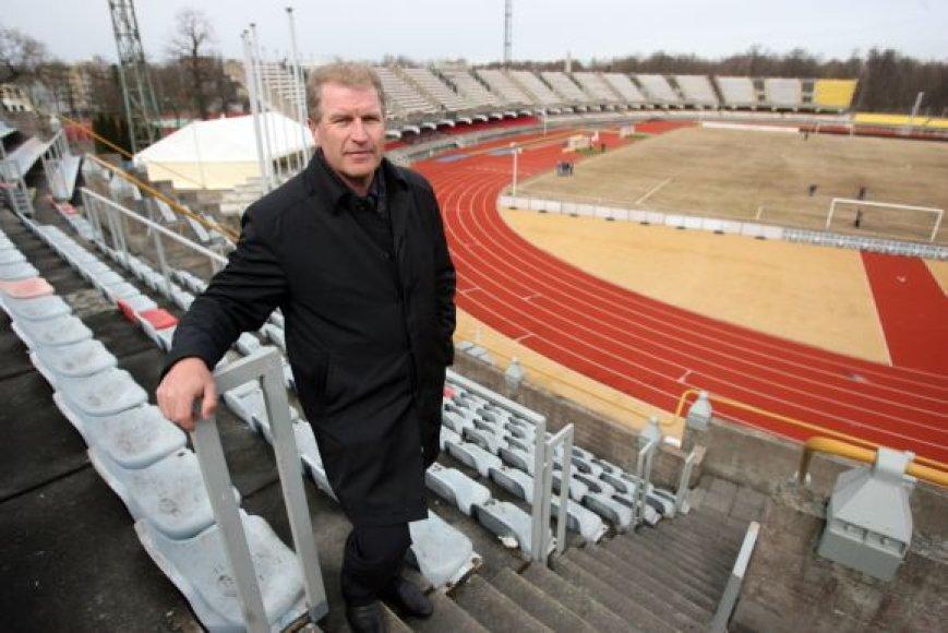 V.Snarskis džiaugtųsi, jei viešųjų ryšių akcija išgelbėtų griūvantį stadioną.