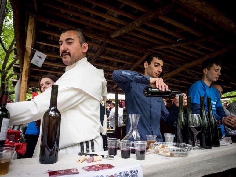 123rf.com /Jauno vyno šventė Tbilisio etnografijos muziejuje