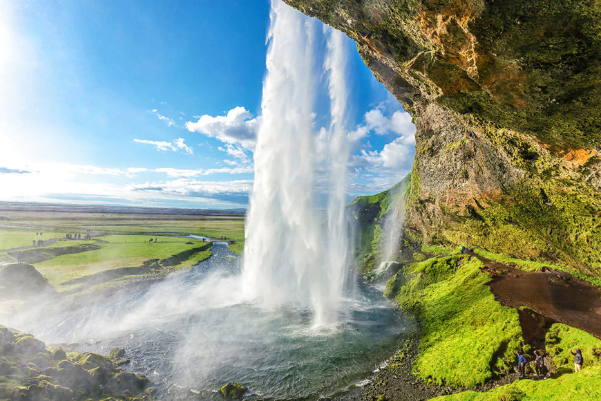 Shutterstock nuotr./Seljalandsfoso krioklys