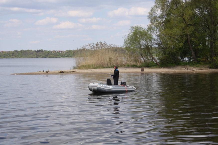 R.Mikalčiūtės-Urbonės/15min.lt/Šiltas oras į Kauno marias pritraukė daugybę žvejų