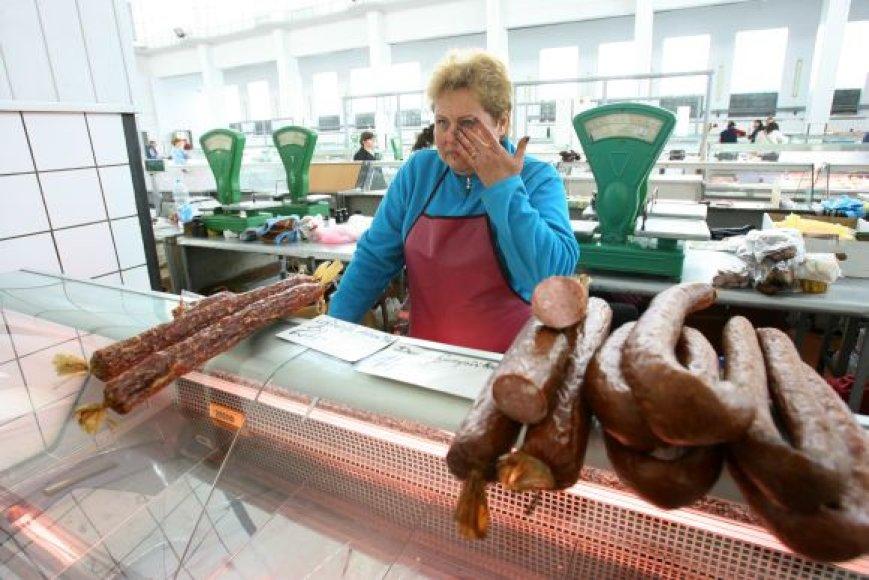 Žaliakalnio turguje ne vienerius metus mėsos gaminiais prekiavusi Genovaitė Panovienė netrukus taps oficialia bedarbe.