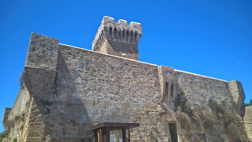 Pauliaus Jurkevičiaus/Tavo Roma nuotr./Tvirtovės bokštas La Rocca