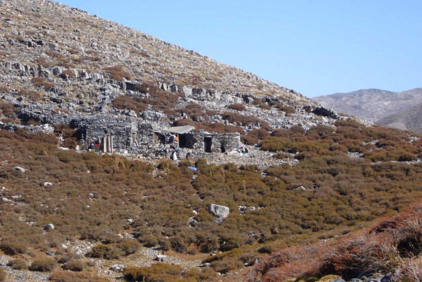 George Mazonakis ir Daphne Manoussaki nuotr./Kretos piemenų trobelės kalnuose