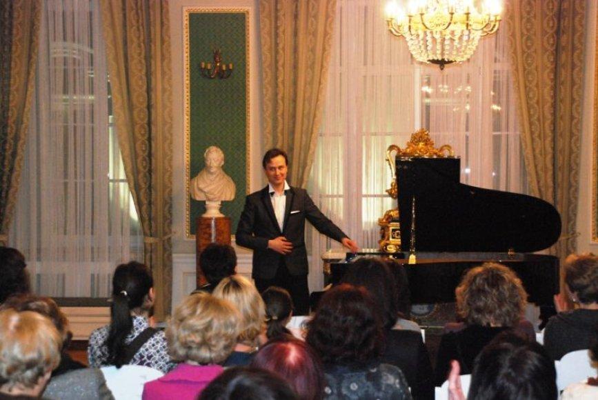 Koncerto sumanytojas, pianistas Darius Mažintas