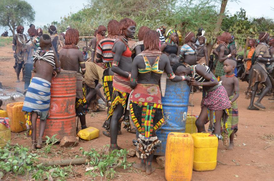 Dano Pankevičiaus nuotr./Etiopija. Hammer gentis prie vandens