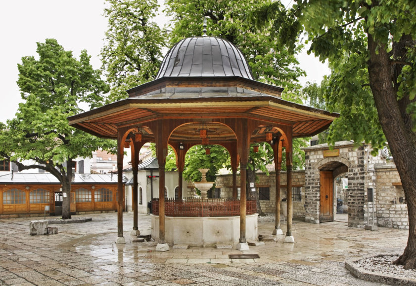 123rf.com nuotr./Fontanas netoli Gazi Husrevo-beg'o mečetės Sarajeve