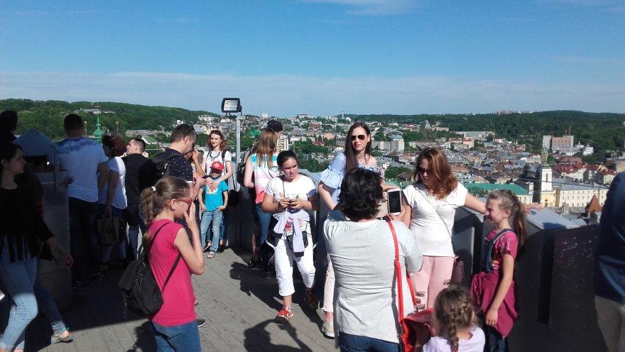 Asmeninė nuotr./Rotušės bokšte – daug turistų
