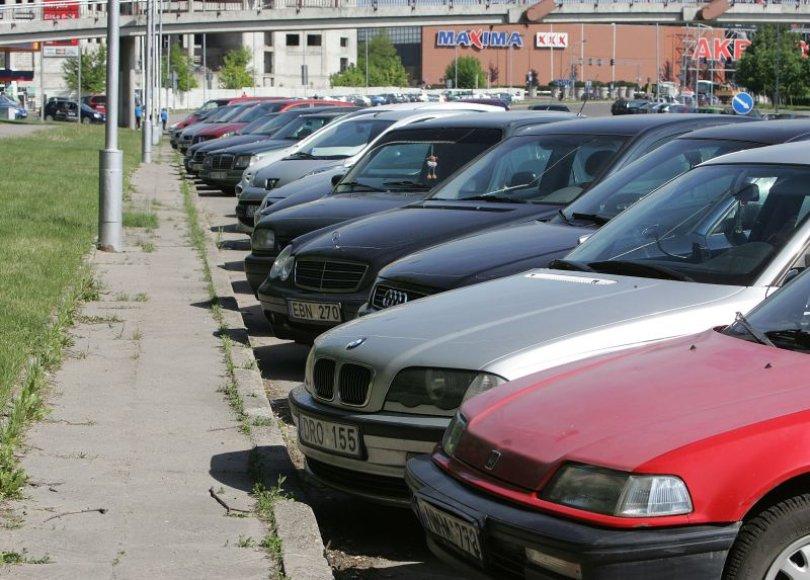 Karaliaus Mindaugo prospekto šiaurinėje pusėje bus draudžiama statyti automobilius antradienio ir penktadienio naktimis.