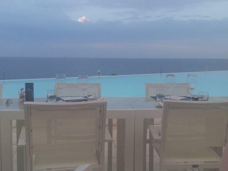 """Autorės nuotr./Vakarienė """"Cafe del Mar"""" su vaizdu į jūrą"""