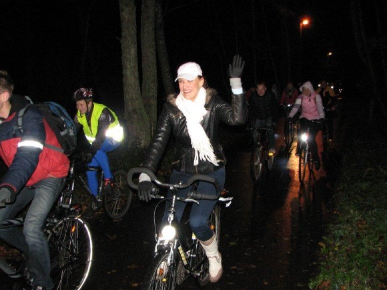 Į naktinį žygį išsiruošė 60 dviratininkų.