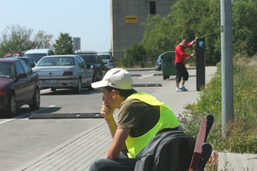 Nuo gegužės už automobilių stovėjimą pajūryje vėl reikia mokėti.