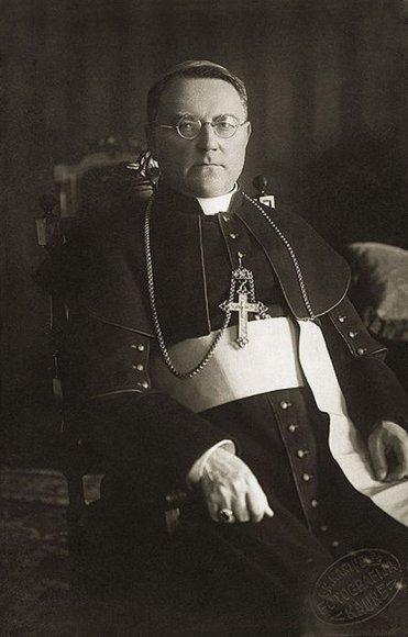 J.Staugaitis įkūrė ir Telšių kunigų seminariją.