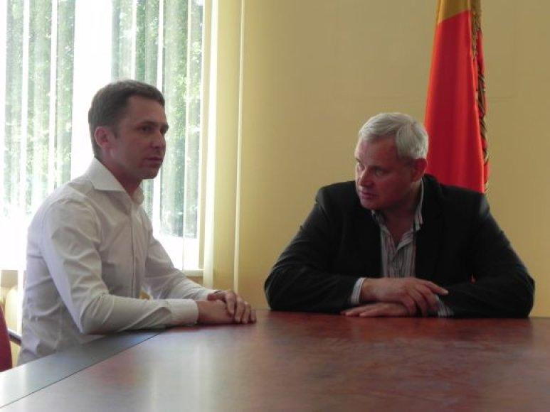 Egidijus Dragūnas susitiko su Klaipėdos meru Vytautu Grubliausku.