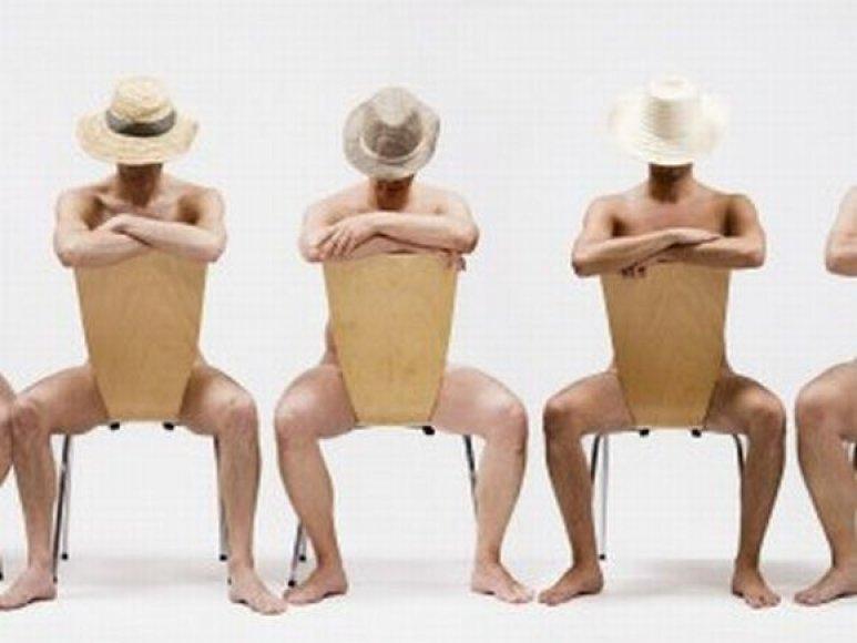 Bedarbiai vyrai išbandys save striptizo erelių kailyje.