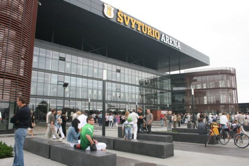 """Klaipėdos """"Švyturio"""" arena ketvirtadienį priėmė pirmuosius lankytojus."""