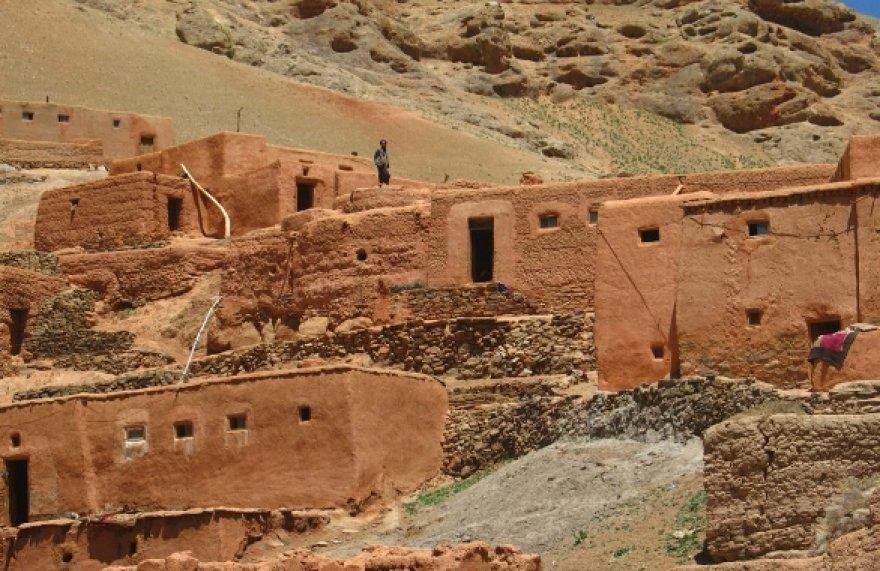 """Parodoje """"Pažvelk – Afganistanas arti. Padėk – tu gali"""" bus eksponuojamos fotografijos iš Goro provincijos."""