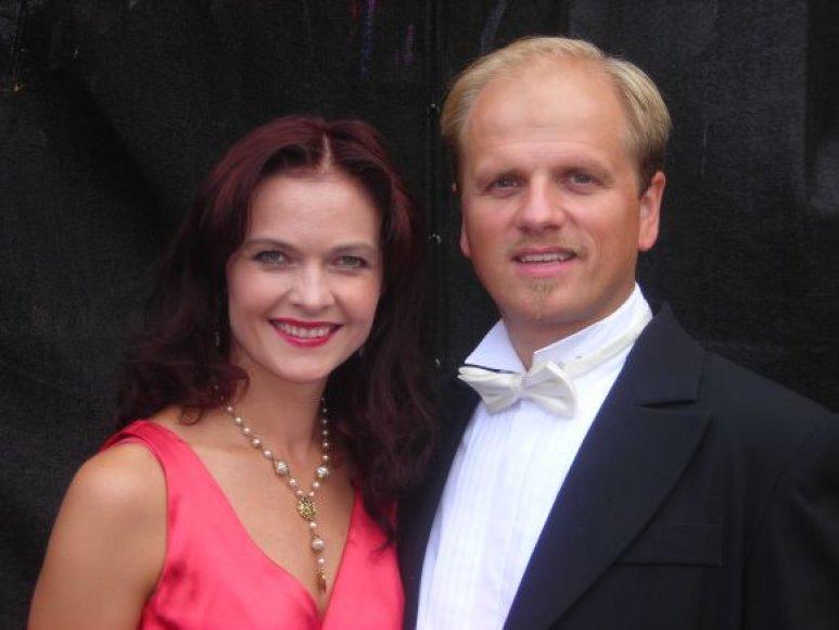 Koncertų salėje penktadienį koncertuos Edmundas Seilius ir Kristina Zmailaitė.