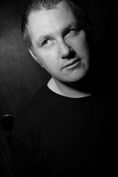 """Jau pirmąją 2010-ųjų naktį """"Kiwi"""" šokių aikštelės tvirtumą išbandys britas Jamie McHugh."""