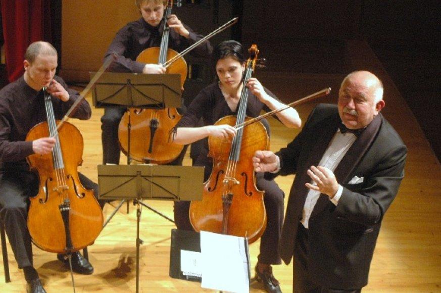 Klaipėdos publika scenoje išvys L.Mikalauską, dainuosiantį grojant Vilniaus šv. Kristoforo kameriniam orkestrui.